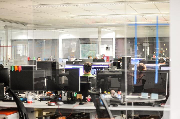 hra looking to create better employee experience 2018_01.jpg