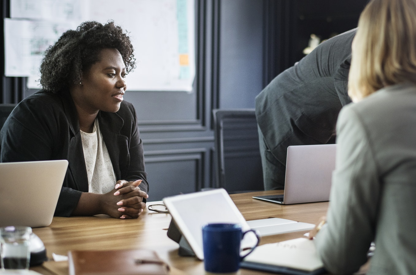 2 Ways Managers Can Conduct Better Performance Reviews